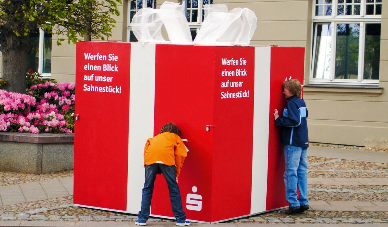 Jubiläumsevents: Riesengeschenk der Sparkasse Rügen